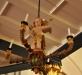 Ljuskrona i trä från 1600-talet