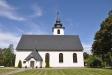 Envikens kyrka får olika utseende från de olika väderstrecken
