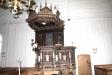 Predikstolen är ett inhemskt arbete som tillkom 1620-21.