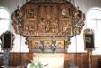 Altarskåpet daterat omkring 1500 är ett lübeckskåp.