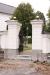 En av flera fina ingångar till kyrkogården.