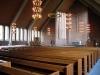 Kyrkan är byggd av rödbrunt tegel