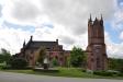 Här syns tydligt storleken på nya kyrkan i den gamla