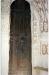 Den ursprungliga ytterdörren från 1200-talet