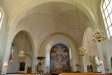 I norra korsarmen finns tre glasmålningar av Torsten Nordberg