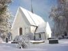Grundsunda kyrkas höga gotiska takfall i vinterskrud