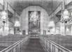 Hittade en svart-vit interiörbild i kyrkans broschyr