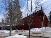 Originell kyrka i ett bostadsområde i Skellefteå.
