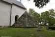Dopfunten är huggen av  gotländske stenhuggaren Semi-Byzantinos och är från slutet av 1100-talet.