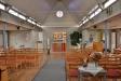 Ikonmålaren Erland Forsberg har gjort altarskåpet