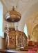 Predikstolen är placerad på ett medeltida murat altare
