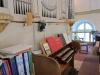 Orgelläktaren har även plats för sittande kyrkbesökare på högre höjder.