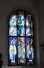 Glasmålningar i korfönstren komponerade av David Ralson