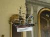 Votivskeppet är en brigg ´Souwenir! skänkt 1836 av Daniel Korsseman som var nära att förlisa .