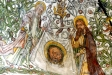 Petrus och Paulus håller Veronikas svettduk. Påvens tiara och korslagda nycklar. Foto Stig Alenäs