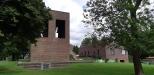 Klockstapeln och församlingsbyggnaden