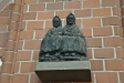 ´I kyrkbänken´ av Otto Djerf. Skulpturen gjord av sjöbottensek.