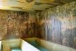 Väggmålningar bevarade under läktaren