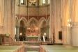 Altaret och koret.