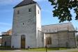 Kyrkan är svart och sotig på utsidan och behöver fräschas upp.