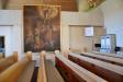 Den altartavla som Pehr Hörberg målade 1806 hänger nu på norra väggen.