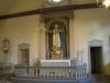 Symbolerna för hopp och kärlek nedanför korset (tron)