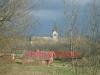 Österplana kyrka ifrån kyrkogården