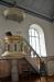 Skulpturerna på predikstolen från 1872 kommer från den gamla kyrkan