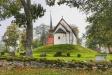 Forsby kyrka och klockstapel