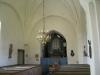 Predikstolen från 1778 vilar på stenfundament