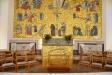 Även det inre altaret är prytt med guldmosaik