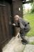 Den andra bamsenyckeln öppnar en rikt utsmyckad dörr.