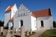 En annan synvinkel på Tottarps kyrka