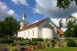 Listerby kyrka i sommartid.