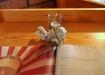 En liten ängel på bokbordet