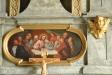 Altaruppsatsens predella har en tydlig målning förställande ´Nattvarden´