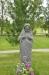 Utanför kyrkan står denna staty