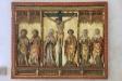 Detta altare är placerat på väggen i en av korsarmarna.