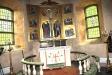Altaret och altartavlan.