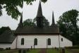 Kungslena kyrka med sina tre ovanliga och vackra torn