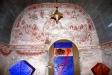 Predikstolen från altaret.