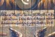 Fint kalligraferad text ur Matteusevangeliet under Jesu fötter