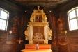 Altartavlan från 1600-talet har nu utökats med en predella