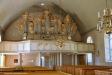 Altarprydnaden skall vara skuren av en präst som var informator på Kölingsholm