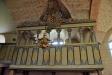 Lagman Giötenstiernas herrskapsläktare har glasrutor som går att skjuta upp.