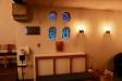 Några av kyrkans små vackra fönster.
