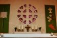 Altaret är av småländsk granit.
