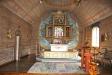 altaret och de fyra mycket vackra tavlorna .