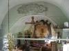 Över triumfbågen finns målningar