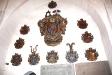 Kyrkans största dyrgrip är det femdelade altarskåpet från 1500-talet.